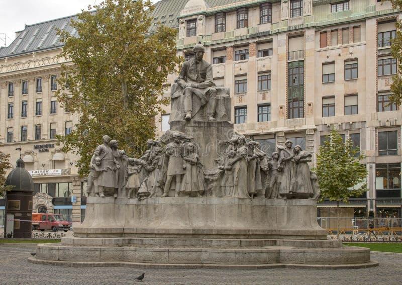 Μνημείο Vorosmarty Mihaly, Βουδαπέστη, Ουγγαρία στοκ φωτογραφία με δικαίωμα ελεύθερης χρήσης