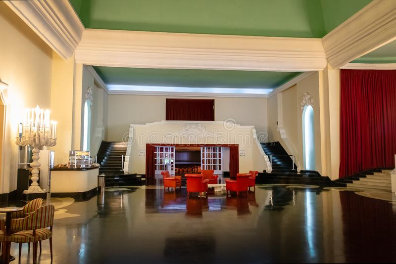 Μνημειακή αίθουσα στο πρώην ξενοδοχείο χαρτοπαικτικών λεσχών παλατιών Quitandinha - Petropolis, Ρίο ντε Τζανέιρο, Βραζιλία στοκ εικόνα