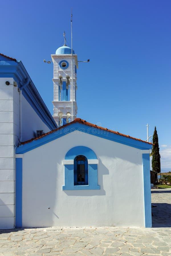 Μοναστήρι Άγιου Βασίλη που βρίσκεται σε δύο νησιά στο Πόρτο Λάγκος κοντά στην πόλη της Ξάνθης, Ελλάδα στοκ εικόνες