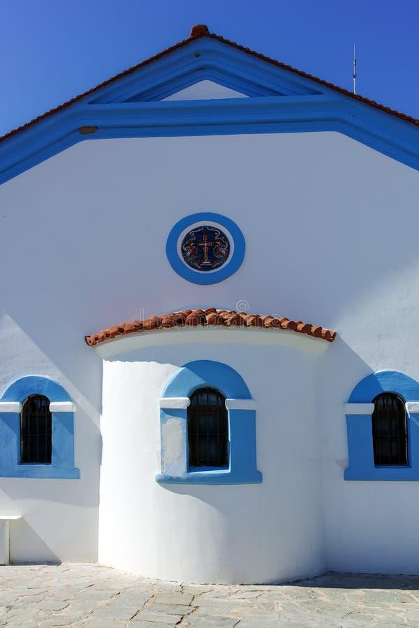 Μοναστήρι Άγιου Βασίλη που βρίσκεται σε δύο νησιά στο Πόρτο Λάγκος κοντά στην πόλη της Ξάνθης, Ελλάδα στοκ φωτογραφία με δικαίωμα ελεύθερης χρήσης