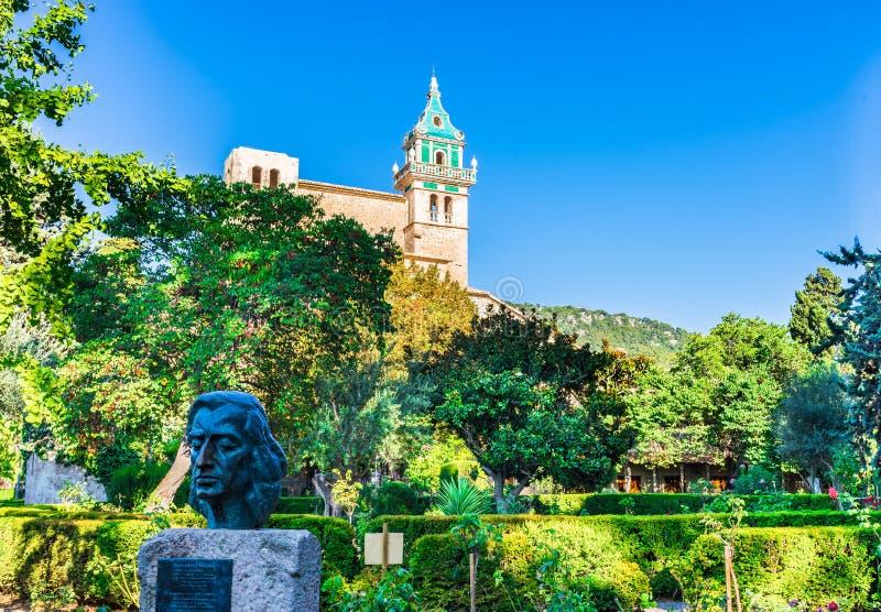Μοναστήρι με το όμορφο πάρκο σε Valldemossa, Majorca Ισπανία στοκ φωτογραφία