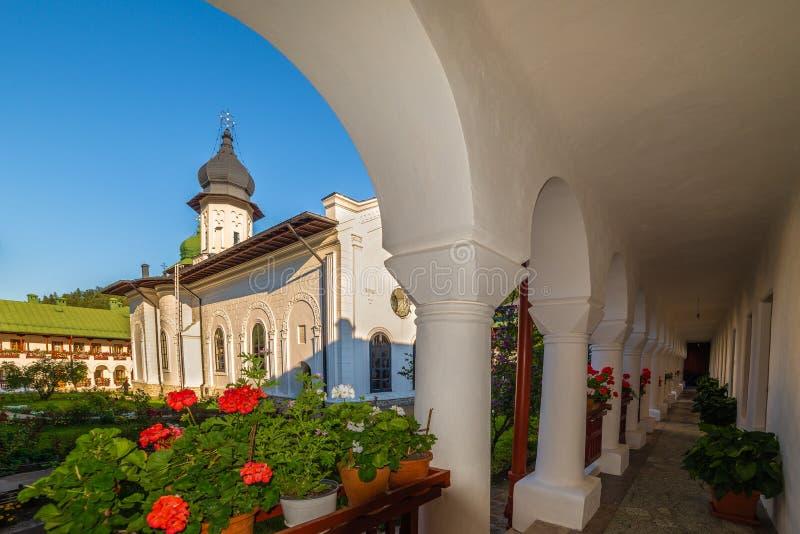 Μοναστήρι Ορθόδοξων Εκκλησιών Agapia, στην πόλη Agapia στοκ εικόνα με δικαίωμα ελεύθερης χρήσης
