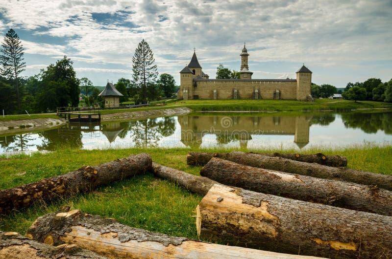 μοναστήρι Ρουμανία dragomirna στοκ φωτογραφία με δικαίωμα ελεύθερης χρήσης