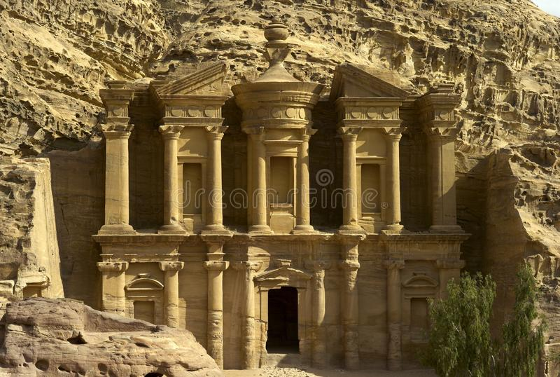 Μοναστήρι στη Petra, Ιορδανία στοκ εικόνες