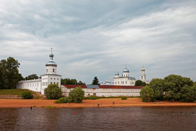Μοναστήρι του ST George καθεδρικών ναών του ST George κοντά σε Novgorod Αρχαία Ορθόδοξη Εκκλησία στοκ εικόνες με δικαίωμα ελεύθερης χρήσης