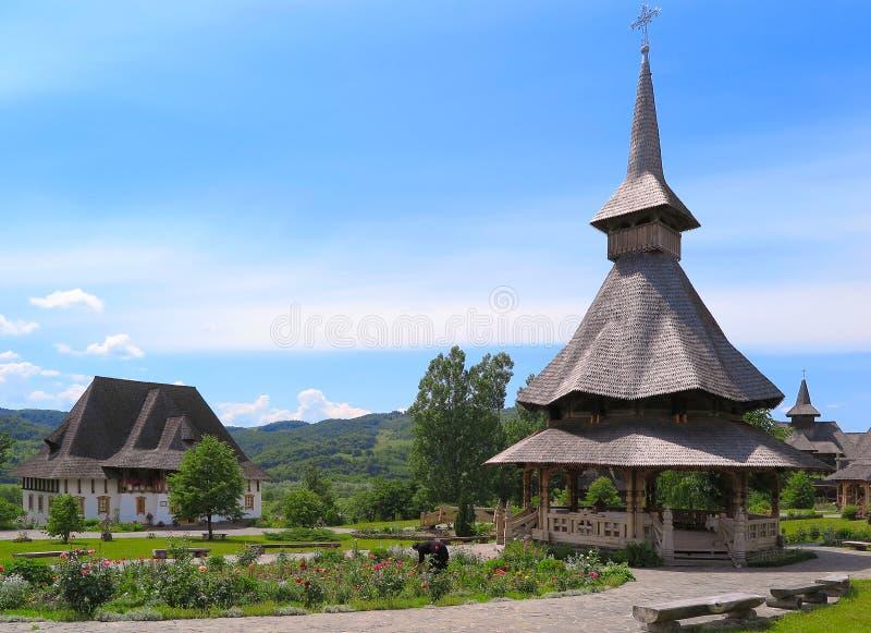 Μοναστήρι Barsana σύνθετο σε Maramures στοκ εικόνα