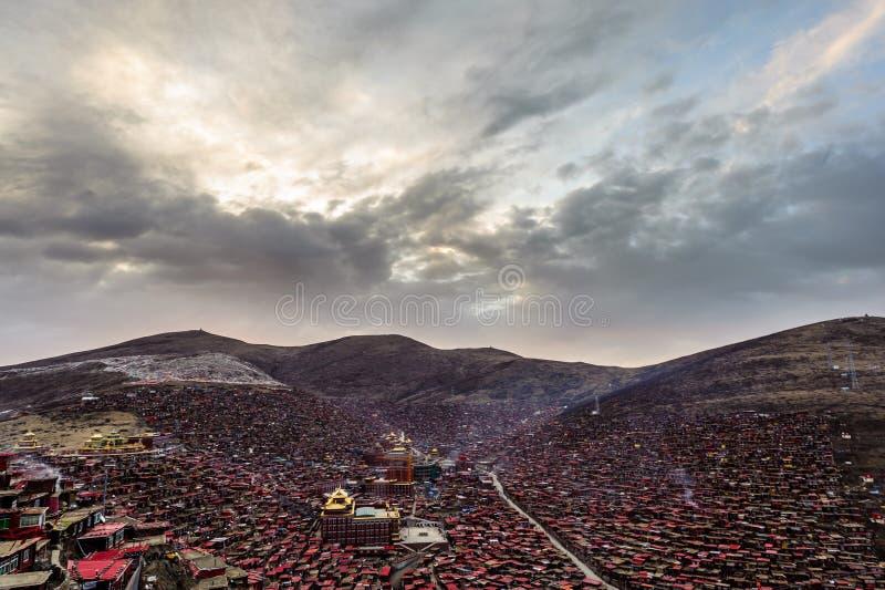 Μοναστήρι Lharong Sertar στοκ φωτογραφία