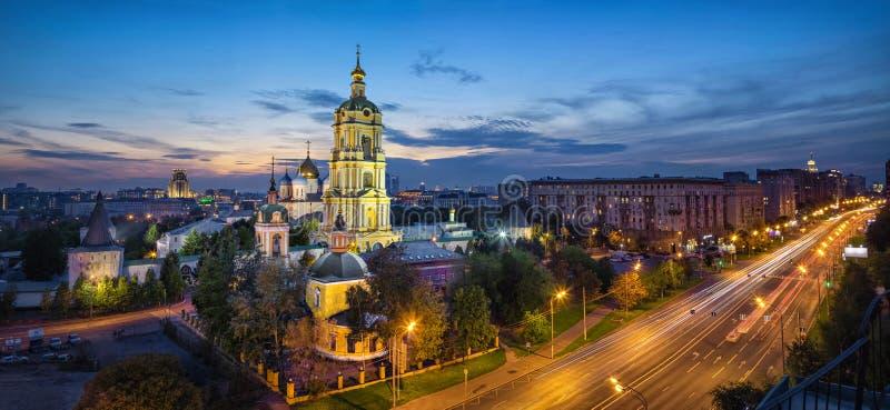 Μοναστήρι Novospassky στο σούρουπο, Μόσχα, Ρωσία στοκ εικόνα με δικαίωμα ελεύθερης χρήσης