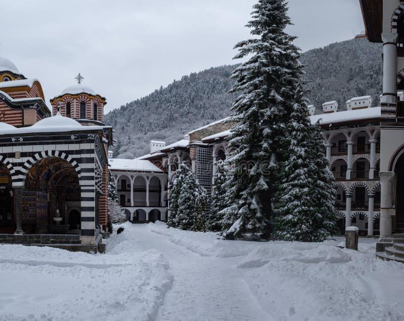 Μοναστήρι Rila στα βουνά Rila στοκ φωτογραφίες