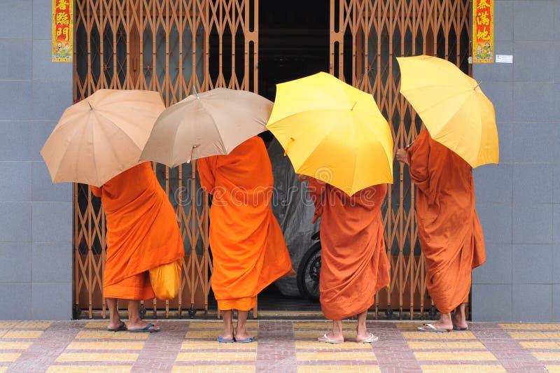 μοναχοί