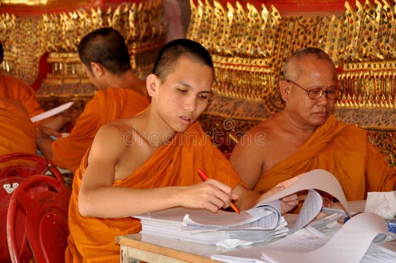 μοναχοί suthat Ταϊλάνδη της Μπαν&gamma στοκ εικόνα με δικαίωμα ελεύθερης χρήσης