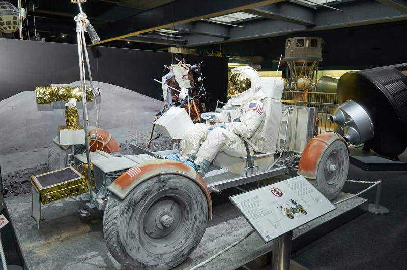 ΜΟΝΑΧΟ, ΓΕΡΜΑΝΙΑ, Ο ΙΑΝ. 15, 2013: Αυτοκίνητο απόλλωνας 17 φεγγαριών του προγράμματος ΑΠΌΛΛΩΝ της NASA με αμερικανικό spaceman στ στοκ εικόνα με δικαίωμα ελεύθερης χρήσης