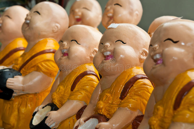 μοναχός Ταϊλανδός γέλιου στοκ φωτογραφία
