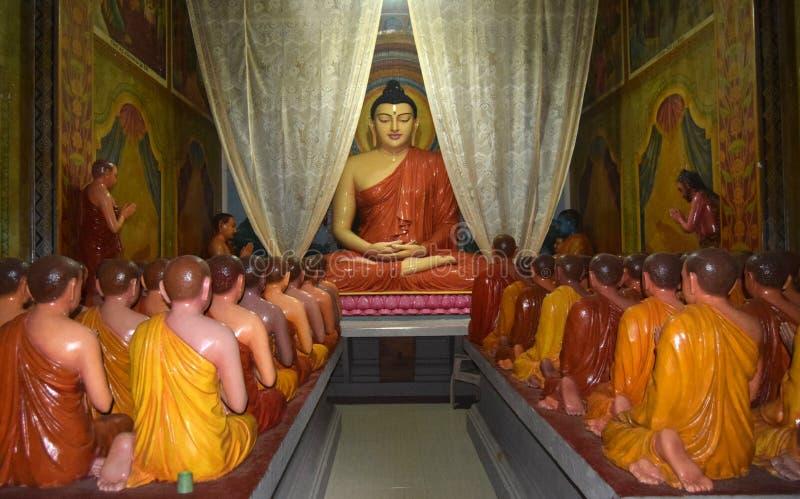 Μοναδικός βουδιστικός ναός στο χωριό Induwaru, Σρι Λάνκα στοκ εικόνα