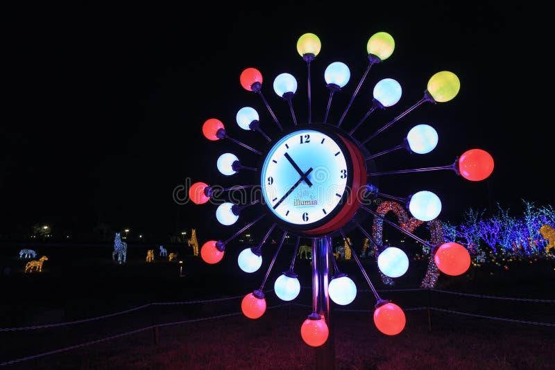 Μοναδικό ρολόι στην ελαφριά νύχτα της Κορέας φεστιβάλ φωτισμού Illumia στοκ εικόνες