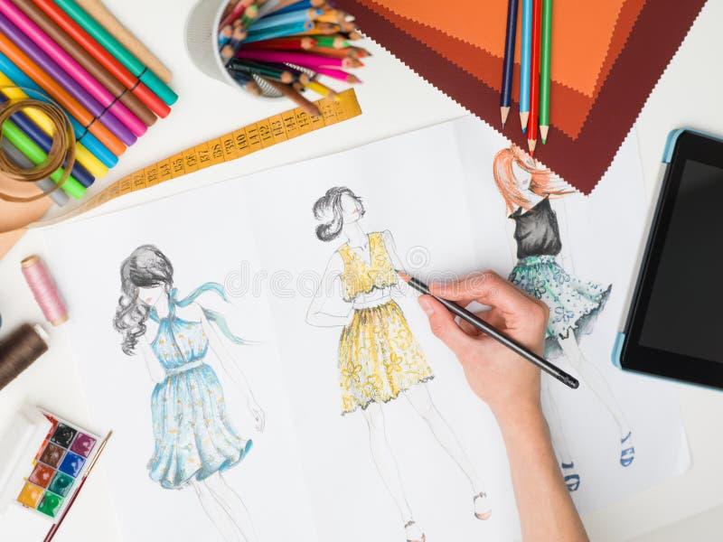 Μοντέρνες δημιουργίες μόδας στοκ φωτογραφία