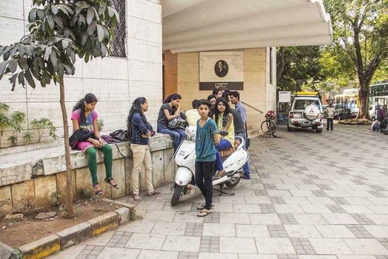Μοντέρνες ινδικές νεολαίες στοκ εικόνες