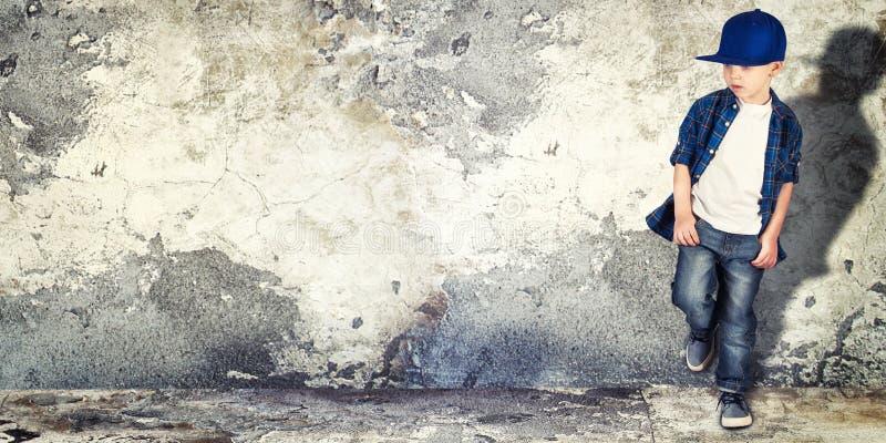 Μοντέρνο μικρό παιδί Μόδα παιδιών ` s στοκ φωτογραφία με δικαίωμα ελεύθερης χρήσης