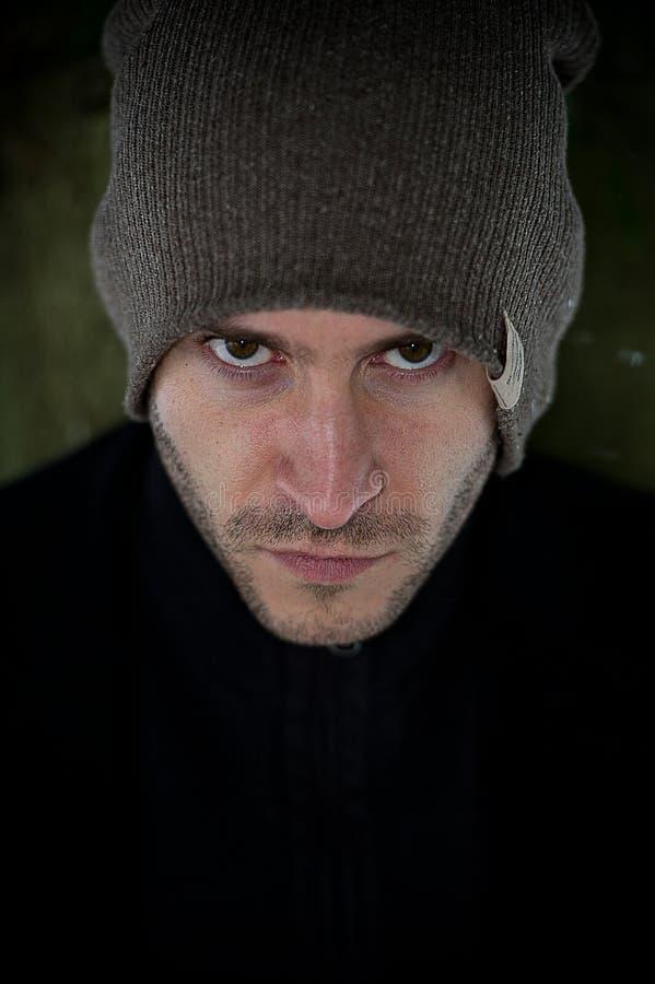 Μοντέρνο νέο αρσενικό στο χειμερινό πορτρέτο στοκ φωτογραφία με δικαίωμα ελεύθερης χρήσης