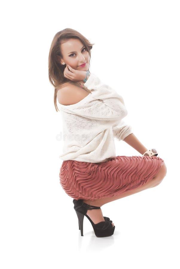Μοντέρνο νέο σκύψιμο γυναικών στοκ εικόνα