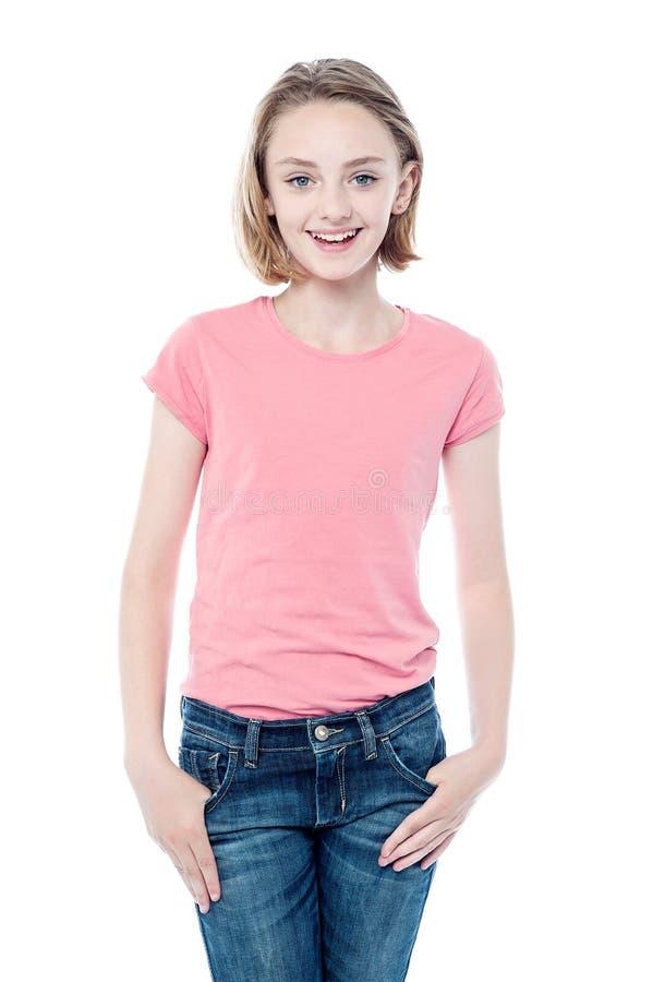 Μοντέρνο νέο όμορφο κορίτσι στοκ εικόνα με δικαίωμα ελεύθερης χρήσης