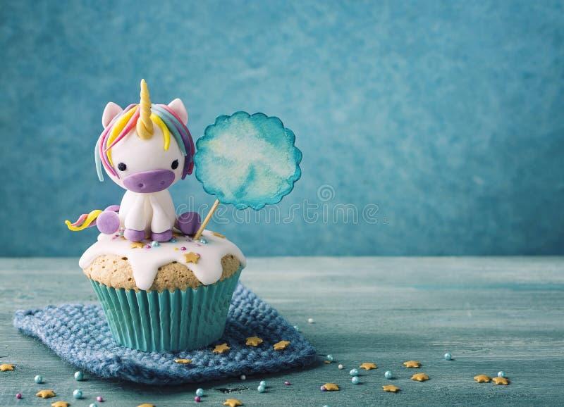 Μονόκερος cupcake στοκ εικόνες