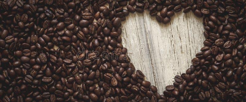 Καρδιά φασολιών καφέ στοκ φωτογραφία