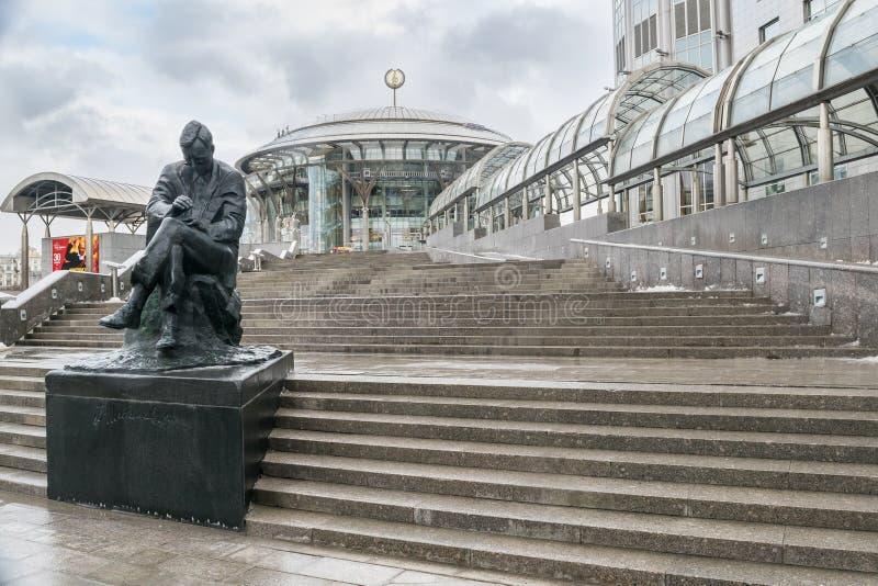 ΜΟΣΧΑ, ΡΩΣΙΑ - 27 ΝΟΕΜΒΡΊΟΥ 2016: Μνημείο σε Dmitri Shostakovich στο μέτωπο στο διεθνές σπίτι της Μόσχας του οικότροφου της Μόσχα στοκ φωτογραφίες με δικαίωμα ελεύθερης χρήσης
