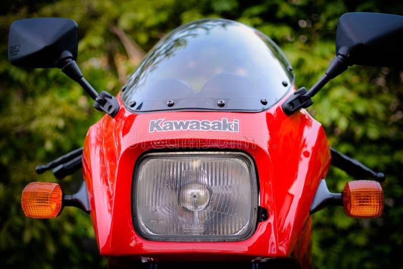 Μοτοσικλέτα Kawasaki GPZ 900 από τον κινηματογράφο του Top Gun που φωτογραφίζεται υπαίθριο στο πάρκο στοκ εικόνα με δικαίωμα ελεύθερης χρήσης