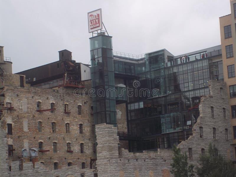 Μουσείο και καταστροφές πόλεων μύλων στη Μινεάπολη στοκ εικόνα με δικαίωμα ελεύθερης χρήσης