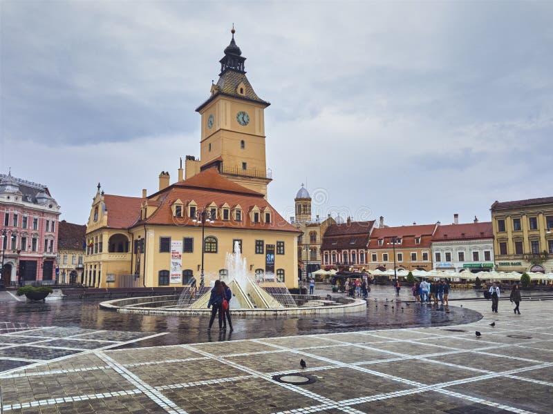 Μουσείο κομητειών BraÈ™ov της ιστορίας στο τετράγωνο του Συμβουλίου, Brasov, Ρουμανία στοκ εικόνες