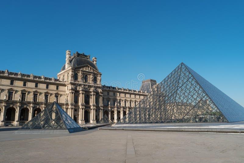 Μουσείο Παρίσι Γαλλία Ευρώπη του Λούβρου Οικοδόμηση του Λούβρου στοκ φωτογραφίες