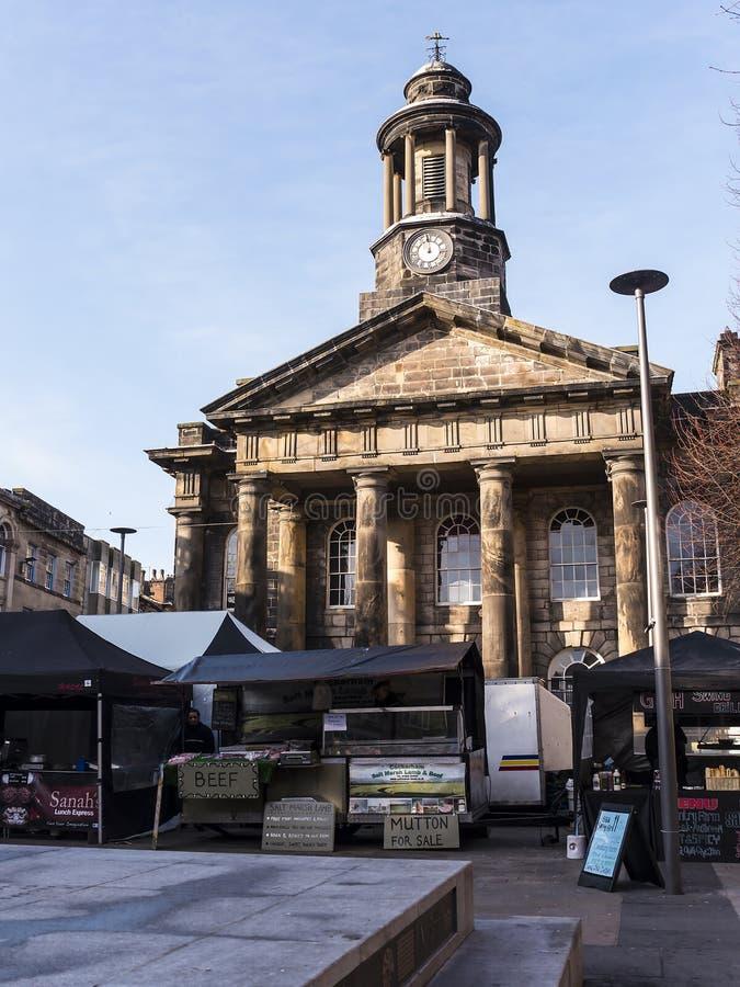 Μουσείο πόλεων με την αγορά αγροτών στο μέτωπο στο Λάνκαστερ Αγγλία στοκ φωτογραφίες