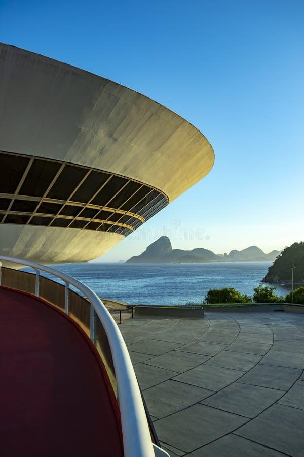 Μουσείο Σύγχρονης Τέχνης του Niteroi Αρχιτέκτονας Oscar Niemeyer στοκ φωτογραφία με δικαίωμα ελεύθερης χρήσης