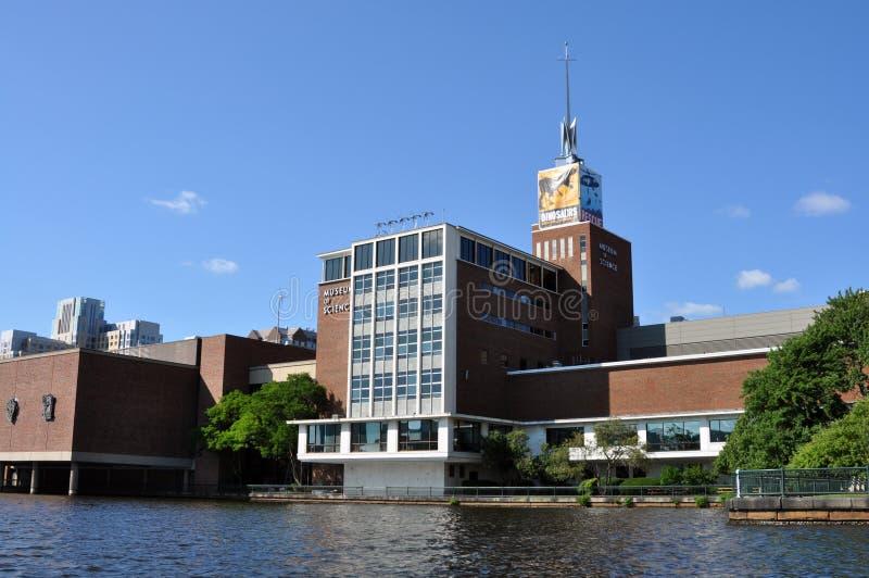 Μουσείο της Βοστώνης της επιστήμης από τον ποταμό Charles στοκ εικόνες