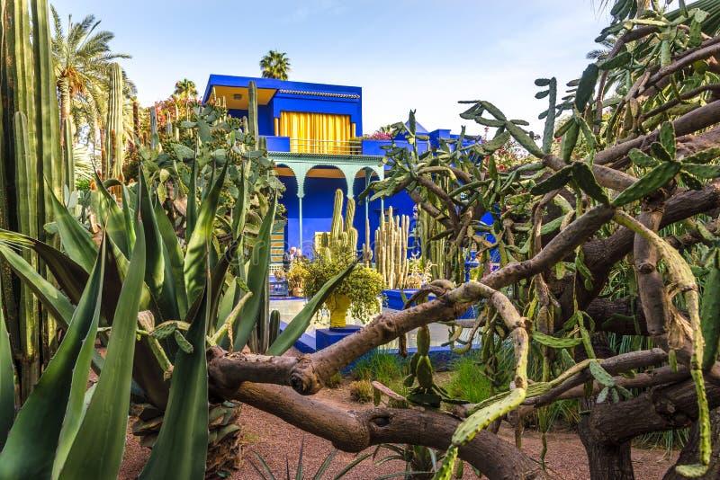 Μουσείο της ισλαμικής τέχνης, που χρωματίζεται στο μπλε Majorelle, στον κήπο Majorelle στο Μαρακές - το Μαρόκο στοκ φωτογραφίες