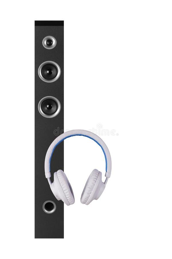 Μουσική και ήχος - άσπρο ακουστικό περιφράξεων μεγάφωνων πύργων μπροστινής άποψης απομονωμένος στοκ εικόνα με δικαίωμα ελεύθερης χρήσης