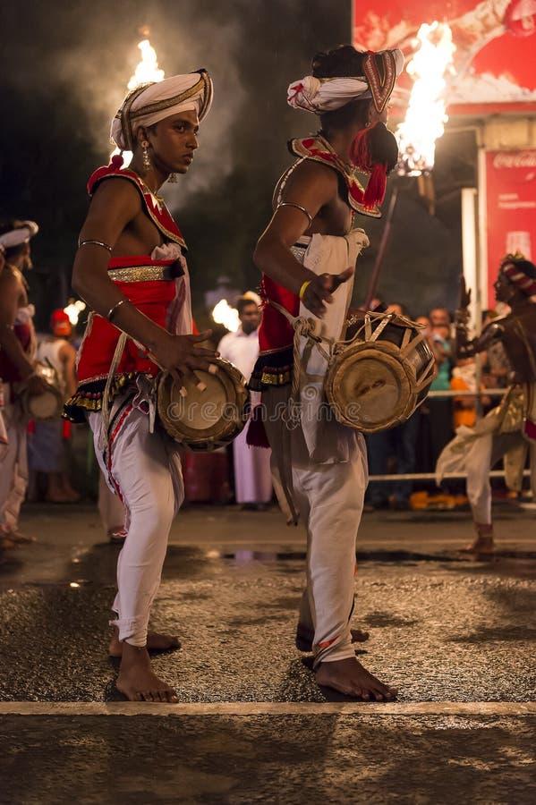 Μουσικοί στο φεστιβάλ Esala Perahera σε Kandy στοκ εικόνες