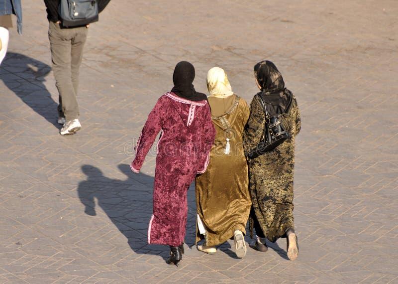 μουσουλμανικές γυναίκ&e στοκ φωτογραφίες