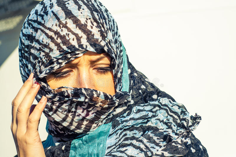 Μουσουλμανικό κορίτσι που φορά higab στοκ εικόνες