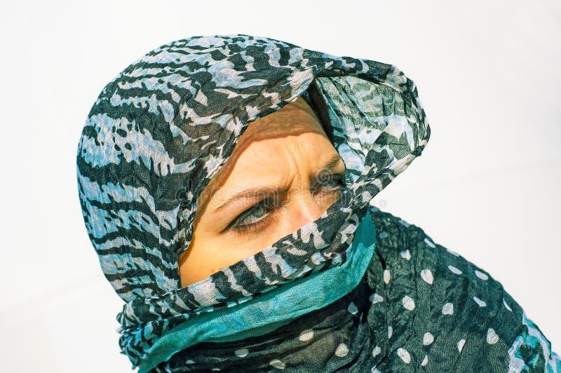 Μουσουλμανικό κορίτσι που φορά higab στοκ εικόνα