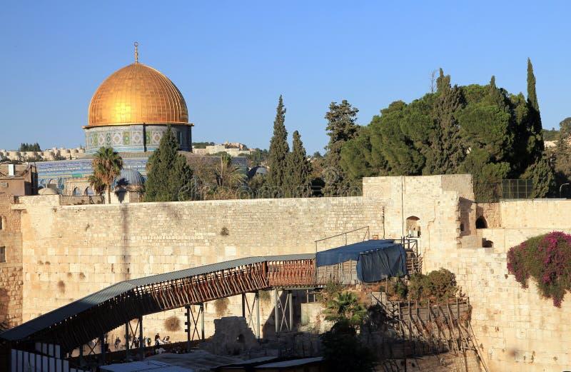 Μουσουλμανικό τέμενος και ανατολικός τοίχος στοκ φωτογραφία με δικαίωμα ελεύθερης χρήσης