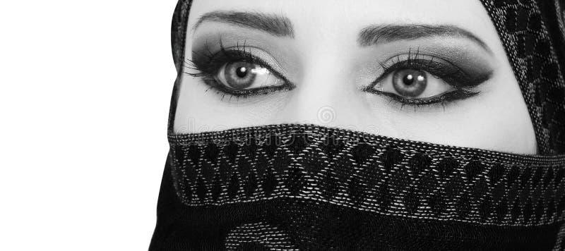 Μουσουλμανικά μάτια κοριτσιών στοκ φωτογραφία με δικαίωμα ελεύθερης χρήσης