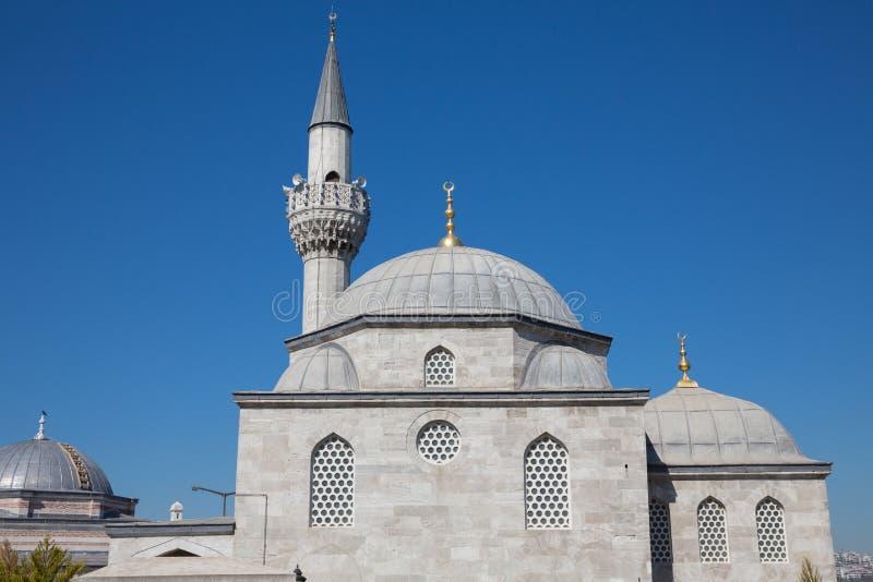Μουσουλμανικό τέμενος Pasa Halk Kutuphanesi Semsi στη Ιστανμπούλ στοκ φωτογραφία
