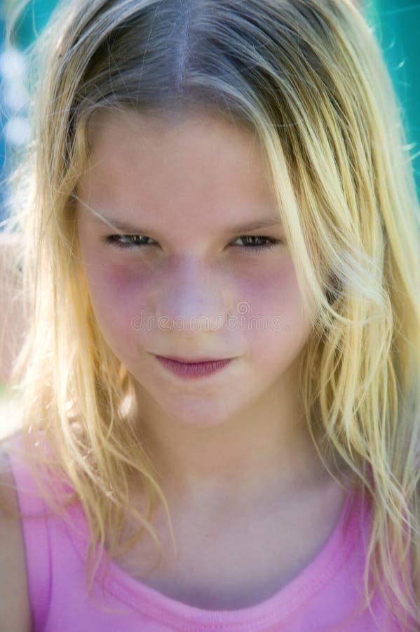 Download μουτρώνοντας νεολαίες κοριτσιών Στοκ Εικόνα - εικόνα από ευμετάβλητος, παιδί: 1540671