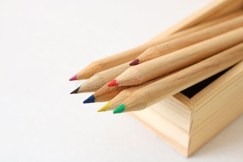 μολύβια χρώματος ξύλινα στοκ εικόνες