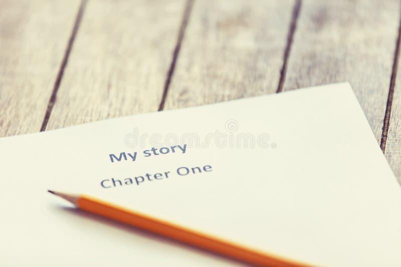 Μολύβι και έγγραφο για το συγγραφέα. στοκ εικόνα
