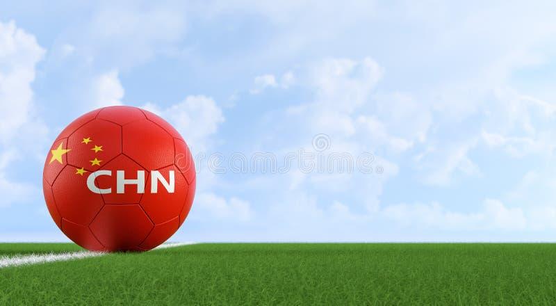 Μπάλα ποδοσφαίρου σε κινεζικά εθνικά χρώματα σε γήπεδο ποδοσφαίρου Αντιγραφή διαστήματος στη δεξιά πλευρά διανυσματική απεικόνιση