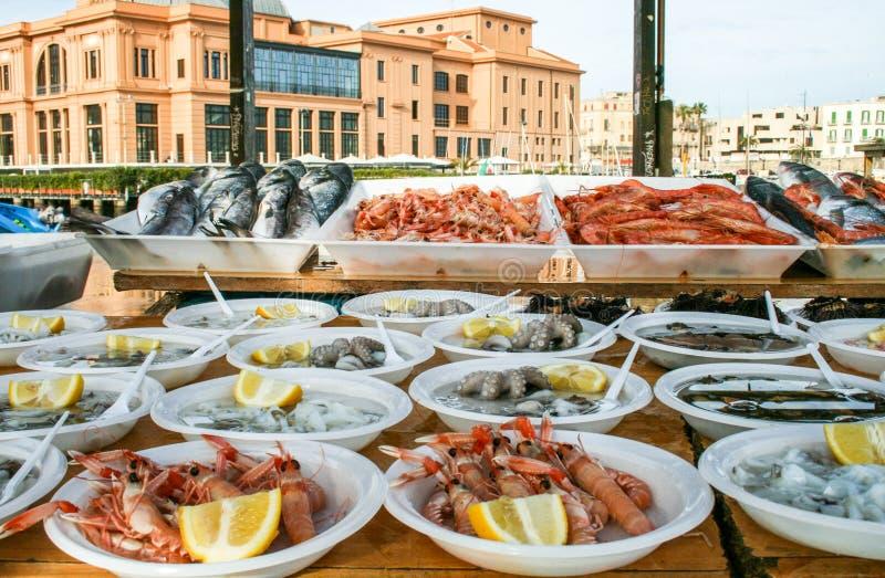Μπάρι, αγορά θαλασσινών, σούσια στοκ φωτογραφίες