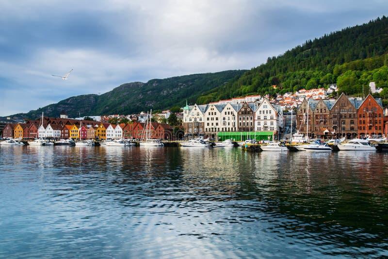 Μπέργκεν Νορβηγία Άποψη των ιστορικών κτηρίων σε Bryggen- Hanseat στοκ εικόνες με δικαίωμα ελεύθερης χρήσης